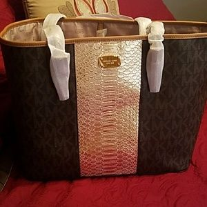 New Mk tote and wallet  1 day sale